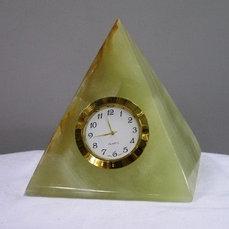 Пирамида с часами оникс