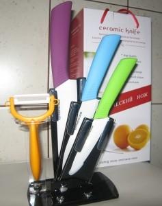 Набор керамических ножей и овощечистка