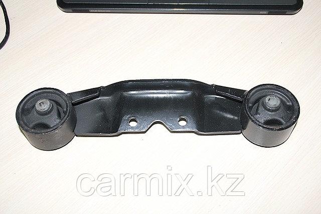 Подушка двигателя задняя (подушка коробки) Space Gear