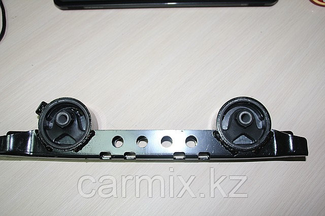 Подушка двигателя задняя (подушка коробки) Montero Sport, Pajero II