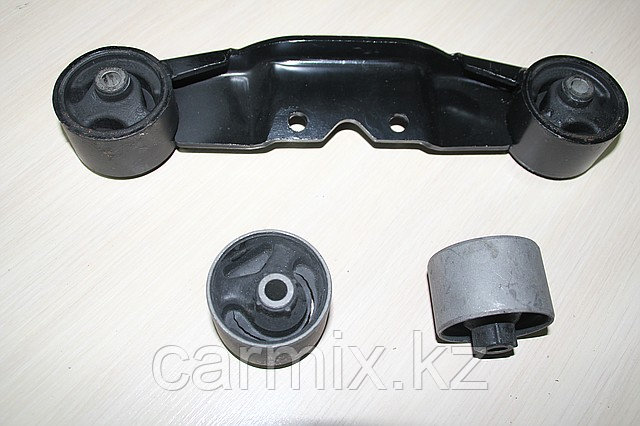 Сайлентблок/ ремвставка подушки коробки Montero Sport, Space Gear