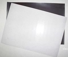 Магнитный винил в листах 200х300мм, толщина 1мм (с клеевой основой)