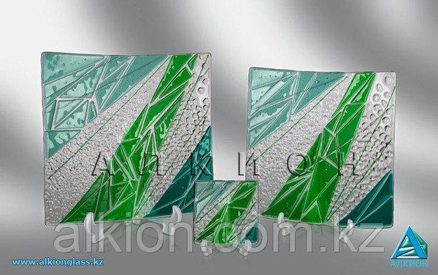 Набор из стеклянных тарелок (Сувенир).