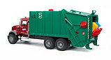 Мусоровоз MACK (зелёный фургон, красная кабина) Bruder (Брудер) (Арт. 02-812 02812), фото 4