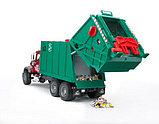 Мусоровоз MACK (зелёный фургон, красная кабина) Bruder (Брудер) (Арт. 02-812 02812), фото 5