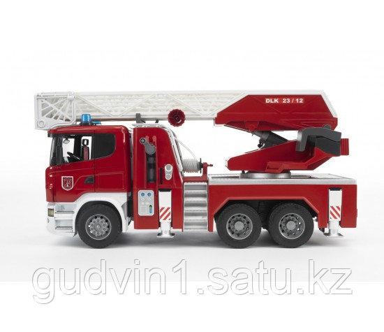 Пожарная машина Scania с выдвижной лестницей и помпой Bruder (Брудер) (Арт. 03-590; 03590)