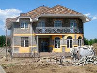 Подшивка карнизов софитом, монтаж водостоков, мкр Бакай, коттеджный городок из 8 домов, Алматы.