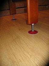 Ножки деревянных дск, устанавливаемых в распор к потолку