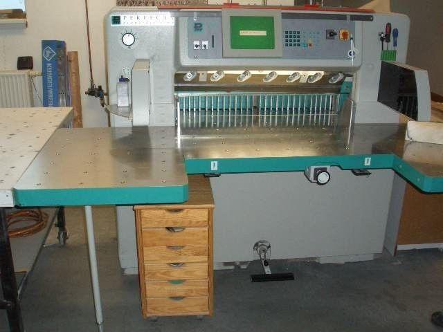 Бумагорезальная машина PERFECTA 92 TVC, бу - 2005 год