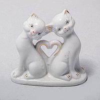 """Фарфоровая статуэтка """"Кот и кошка"""" (9см)"""