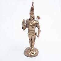"""Статуэтка """"Золотой человек с соколом"""" 23*8 см, фото 1"""