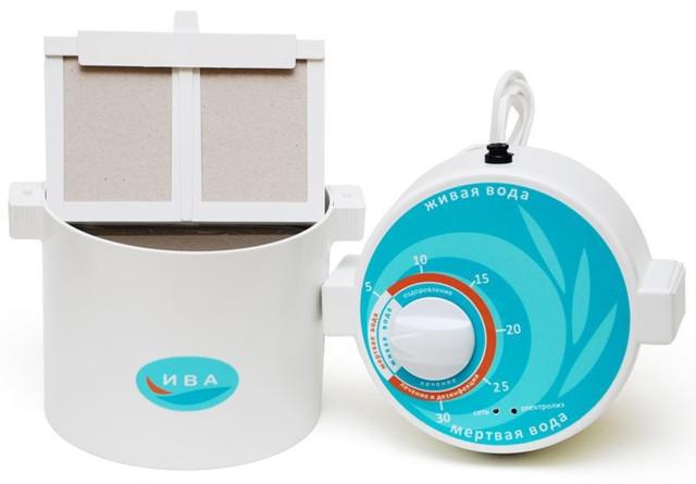 """Активатор воды """"Ива-1"""" имеет съемную верхнюю крышку для удобства заливки воды"""