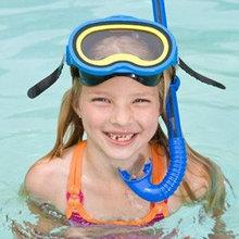 Очки, маски, трубки, ласты и наборы для плавания.