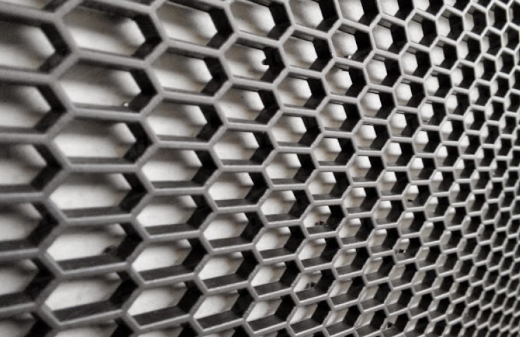 Пластиковая сетка для тюнинга