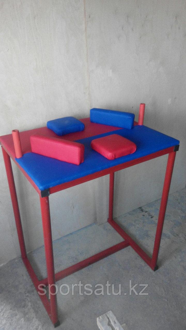 Стол для армрестлинга (для левой и для правой руки)