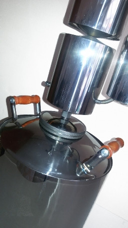 При изготовлении самогонного аппарата МАГАРЫЧ МАШКОВСКОГО 12л использовалась гипоаллергенная пищевая нержавеющая сталь