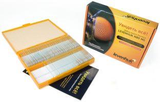 Внутри яркой картонной коробки набора Levenhuk N80 NG находится пластиковый футляр с готовыми микропрепаратами и чистыми стеклами для самостоятельного изготовления микропрепаратов