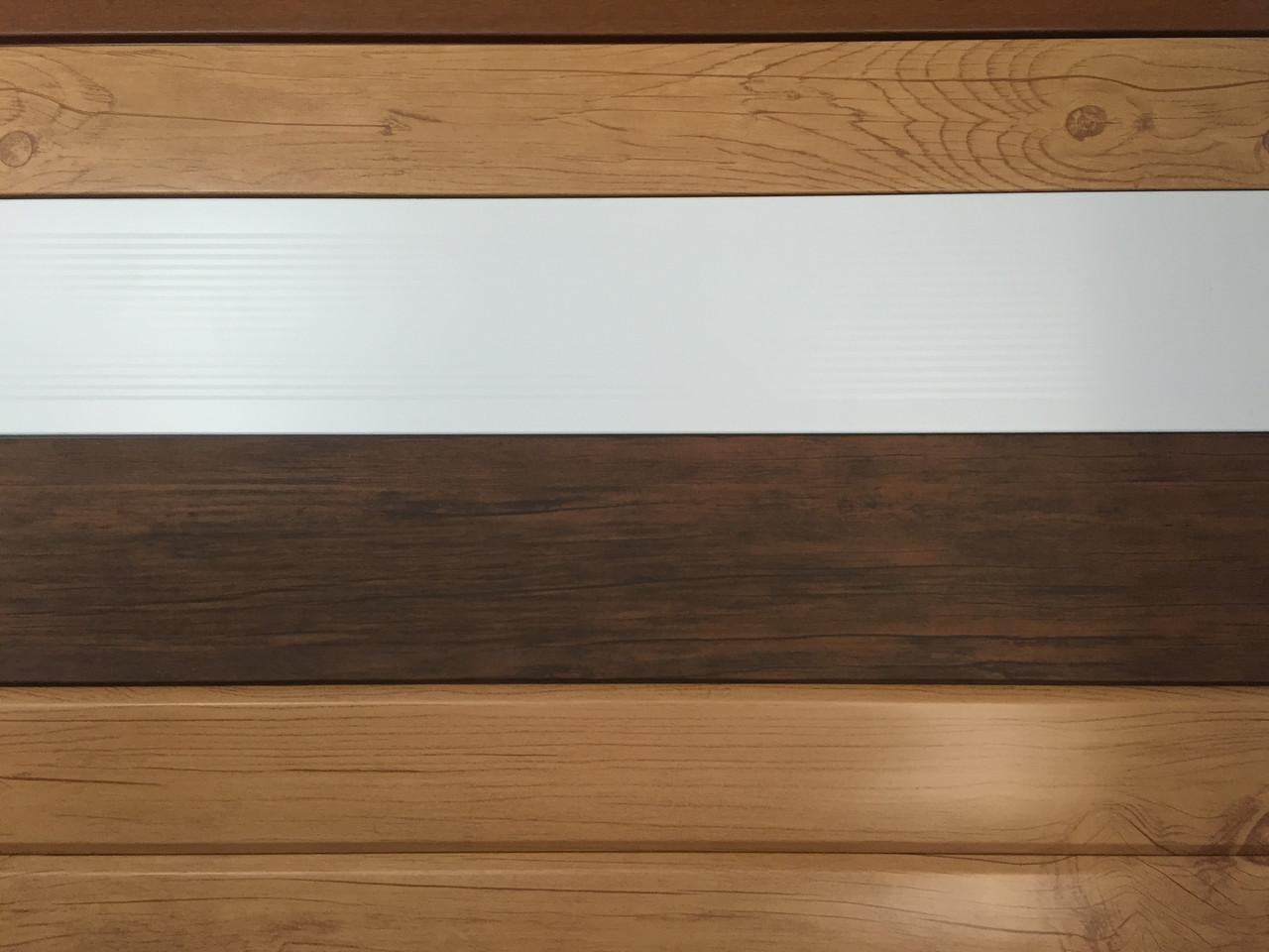 Металлосайдинг вагонка, цвет белый, по низким ценам светлое дерево