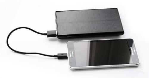 """Система автономного питания на солнечной батарее """"SITITEK Sun-Battery SC-09"""" легко справится с зарядкой Вашего мобильного телефона! (кликните для увеличения)"""