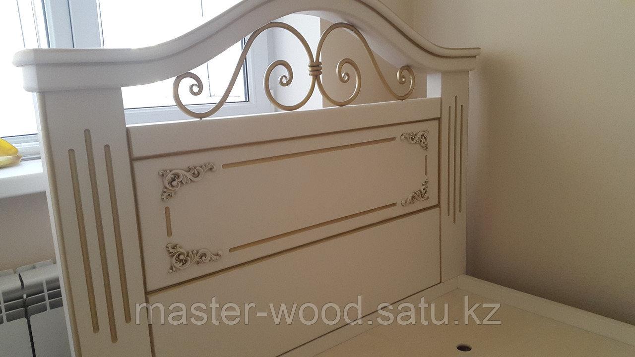 Кровати на заказ из натурального дерева - фото 3