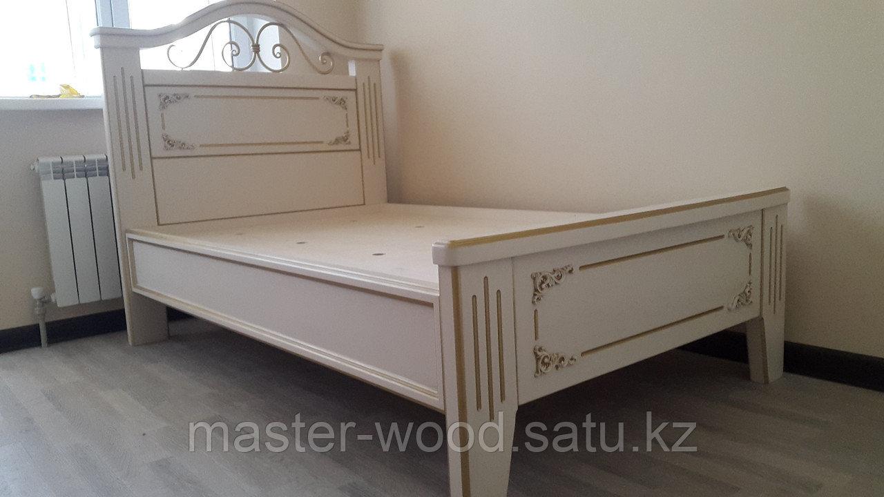 Кровати на заказ из натурального дерева - фото 2