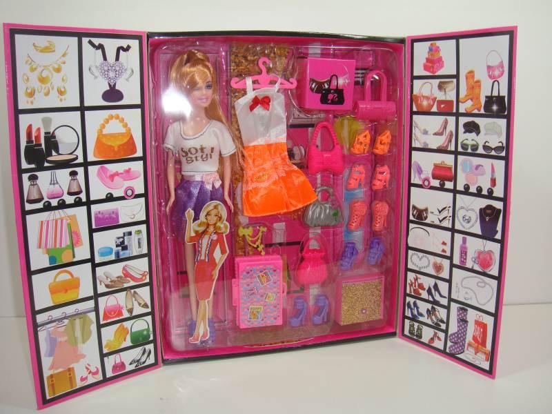 Барби с гардеробом