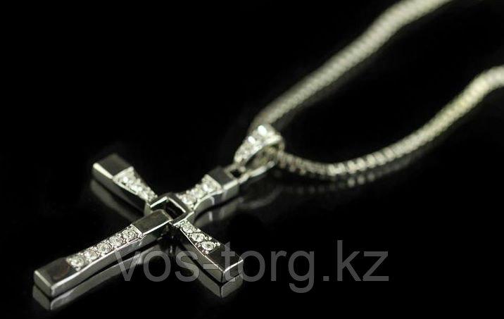 """Крест на шнурке """"Крест Доминика Торетто"""""""