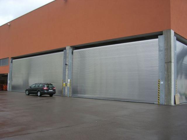 Рулонные стальные ворота (Германия)