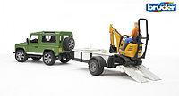 Внедорожник Land Rover Defender с прицепом