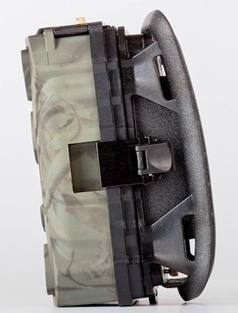 """Корпус фотоловушки """"Falcon Eye FE-AC100"""" оснащен надежными защелками"""