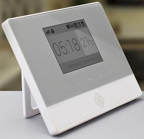 """Благодаря современному дизайну, центральный блок GSM сигнализации """"MatiGard Air"""" прекрасно впишется в интерьер любого помещения (увеличение по клику)"""
