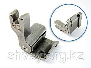 CR Лапка для отделочных строчек с правым компенсатором с укороченной передней частью подошвы,