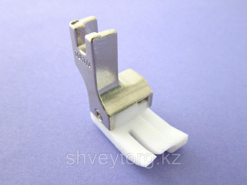 TCR Лапка для отделочных строчек с правым компенсатором, тефлоновая