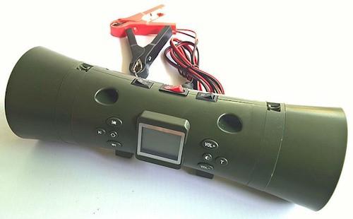 """Электронный манок """"Охотник SH2"""" с подключенным шнуром питания, на конце которого располагаются """"крокодилы"""" для цепляния к аккумулятору (нажмите на фото для увеличения)"""