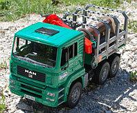 Лесовоз с портативным краном и бревнами 02-769 Bruder