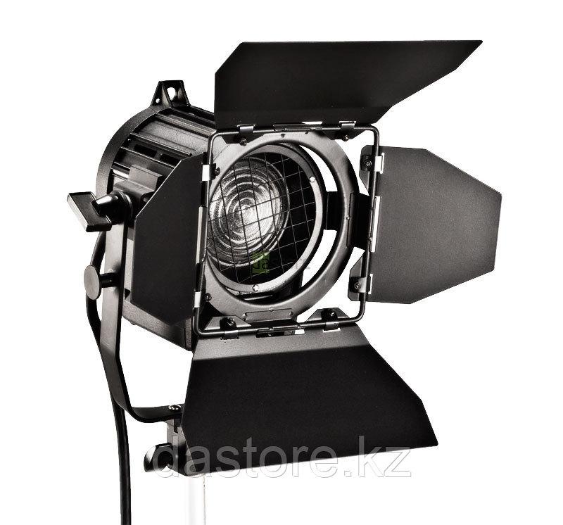 Yuvi FRESNEL 150 студийная лампа