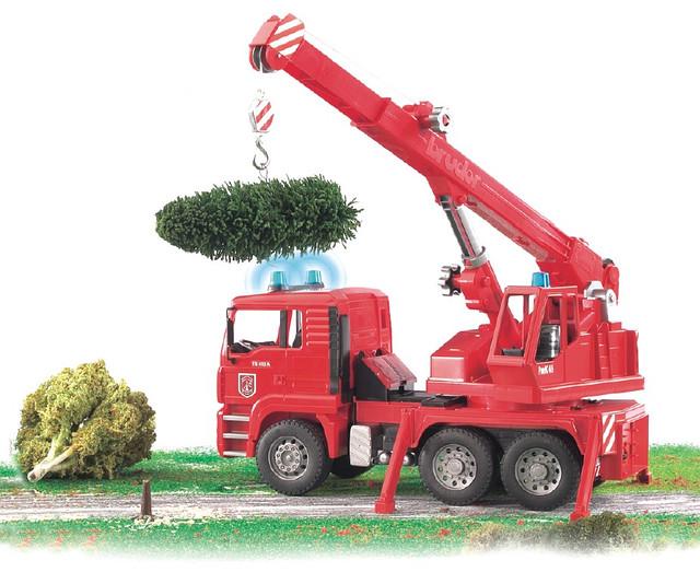 Пожарная машина автокран MAN Bruder с модулем со световыми и звуковыми эффектами от 3х лет