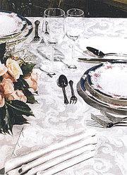 Цептер скатерть VENEZIA  белая на 6 персон + салфетки