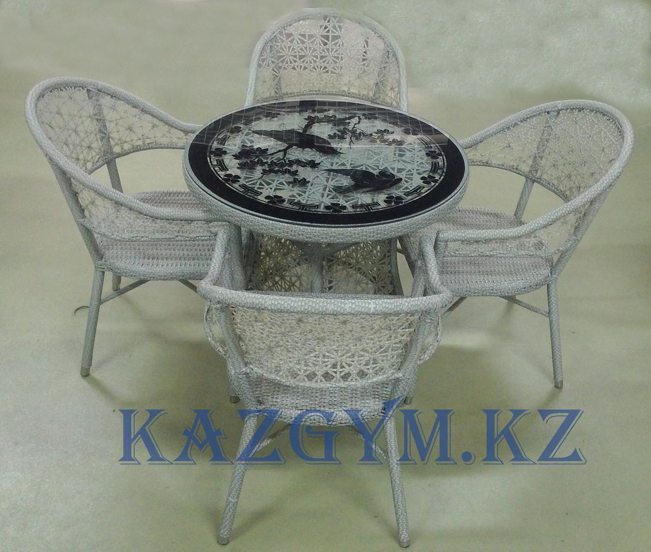 Стол круглый с 4 стульями