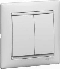 Legrand Valena Белый Переключатель 2х-клавишный (774408)