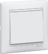 Legrand Valena Белый Переключатель перекрёстный 1-клавишный (774407)