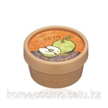 Увлажняющий витаминный бальзам для рук c экстрактом спелого яблока Skinfood Gold Apple Hand Balm
