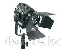 Logocam Fresnel 650 световой прибор на 650 Ватт с лизной Френеля