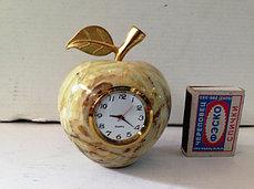 Яблоко оникс с часами