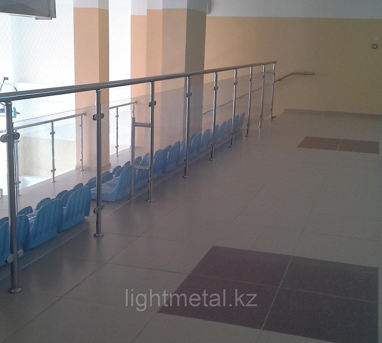 Ограждения из нержавеющей стали с использованием орг стекла