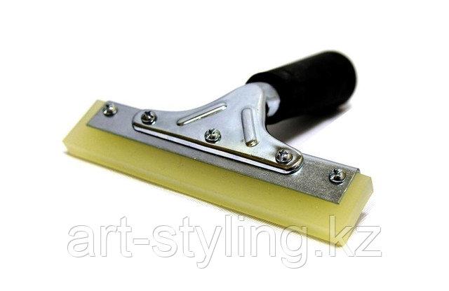 Инструменты для оклейки и тонировки окон