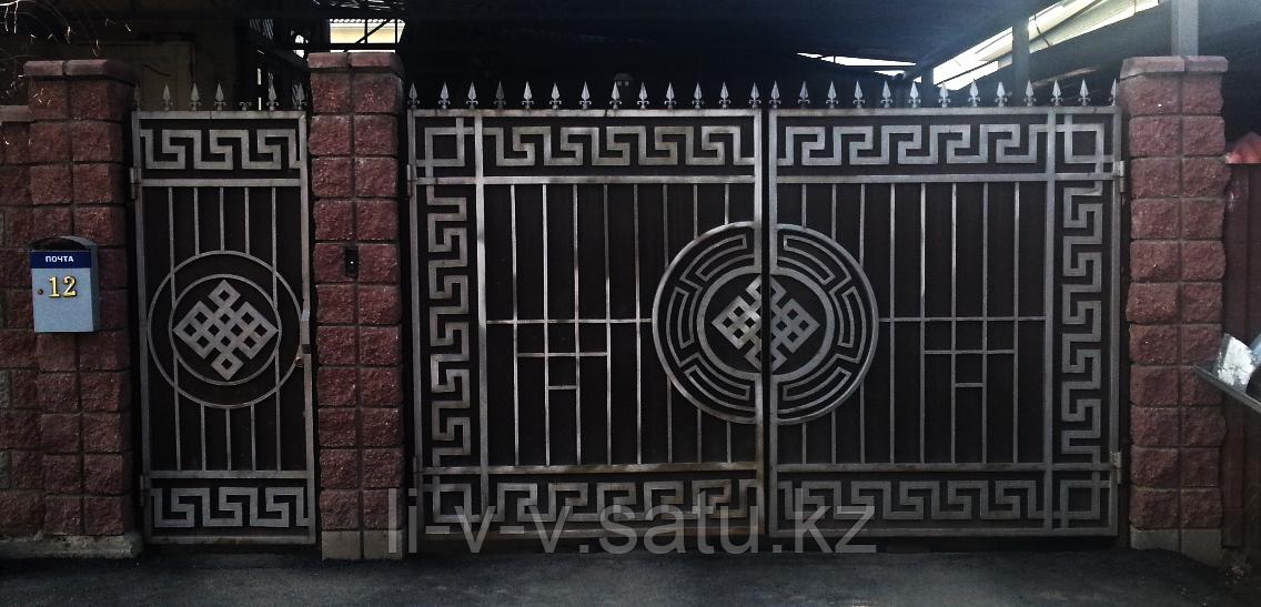 Ворота металлические с узором Версаче