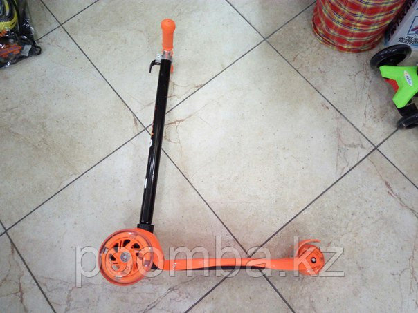 Трехколесный самокат от 3х лет (оранжевый)