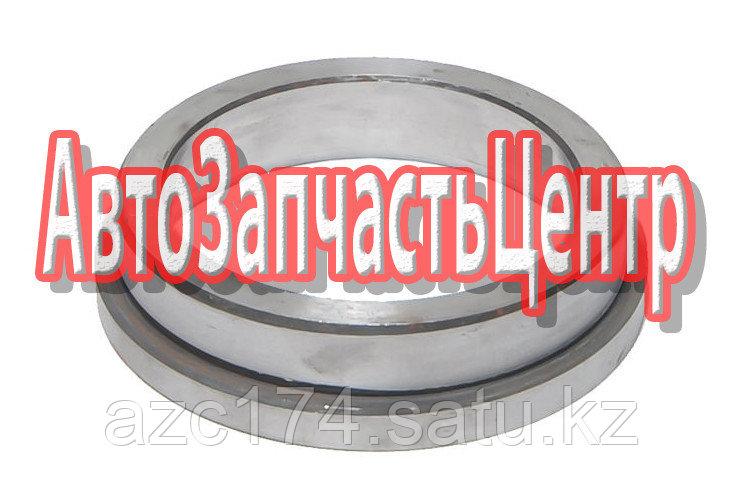 Кольцо упорное подшипников 9990-3104048-10