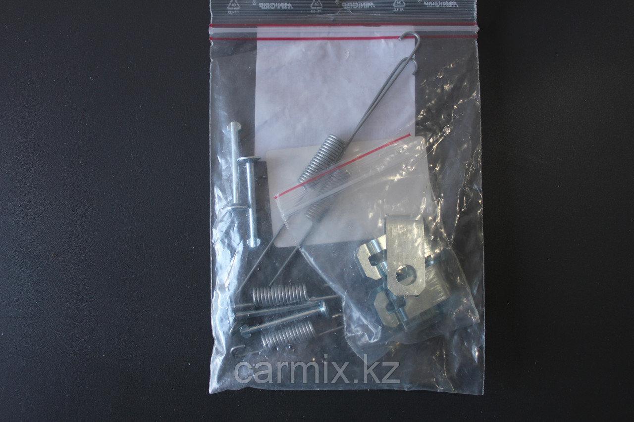 Ремкомплект барабанных колодок MITSUBISHI  L200  KB4T